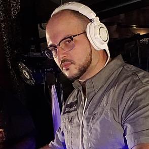 DJ Eli - DJ/Sound/Lighting